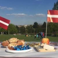 Baltā galdauta svētku pikniks 4. maijā Briselē