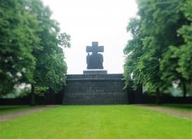 Kritušo un aizvesto piemiņas brīdis Lommeles kapsētā – 12/06/2016