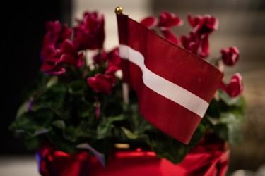 Sestdienas skoliņas jaunie pavāri sveic visus latviešus Latvijas Valsts svētkos!