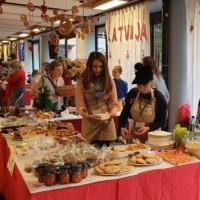 Ziemassvētku labdarības tirdziņš Eiropas skolā